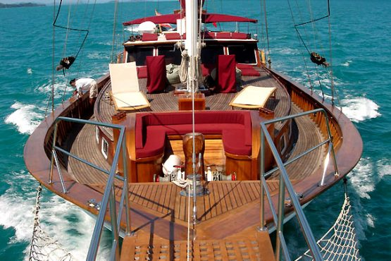 crewed-yacht-charter